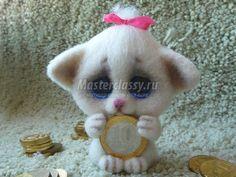 Сухое валяние котика с монеткой. Мастер-класс с пошаговыми фото