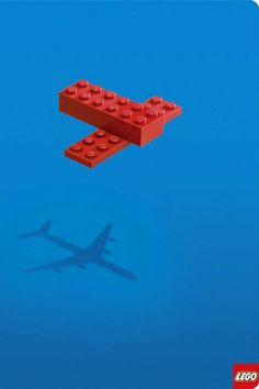 This lego ad is so creative. Kids really make things come to life by using lego pieces. Dream Bigger with Lego. Creative Advertising, Advertising Design, Advertising Campaign, Advertising Ideas, Radio Advertising, Advertising Poster, Funny Commercials, Funny Ads, Guerilla Marketing