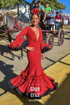 Vestidos de flamenca New Hair Cut a new style hair cut Spanish Dress, Nice Dresses, Formal Dresses, Mexican Dresses, Passion For Fashion, Dress To Impress, Peplum Dress, Costumes, My Style