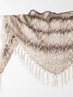 Spetssjal i Novita Usva Shawl Patterns, Knitting Patterns, Boho Shorts, Ballet Skirt, Knits, Crochet, Wood Slices, Design, Fashion