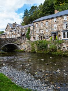 Dream Vacations, Vacation Trips, Wales Snowdonia, Welsh Castles, Snowdonia National Park, Visit Wales, Sustainable Tourism, Seaside Resort, England And Scotland