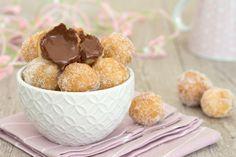 Divine queste palline alla Nutella, si preparano in 5 minuti e con soli 2 ingredienti, andranno a ruba, sono davvero super golose!