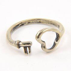 White Bronze Heart Ring // key to my heart?