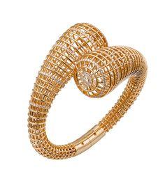 Le bracelet Paris Nouvelle Vague de Cartier http://www.vogue.fr/joaillerie/le-bijou-du-jour/diaporama/le-bracelet-paris-nouvelle-vague-de-cartier/20690#le-bracelet-paris-nouvelle-vague-de-cartier