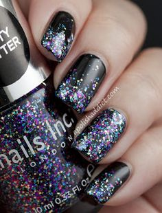 Sally Hansen giltter nails