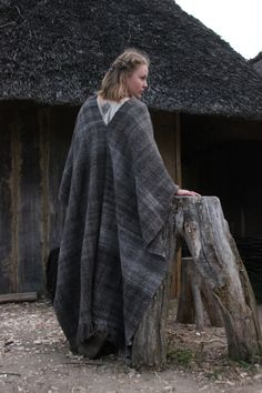 Large woven woolen shawl. No instructions, posting for the image.
