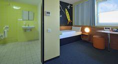 Barrierefreies Zimmer im B&B Hotel Oberhausen am Centro