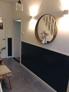 Hall - Check in at bir - Uit de Binnenkijken App - Decoration Small Condo Decorating, Hallway Decorating, Hallway Inspiration, Interior Inspiration, Home Room Design, House Design, Hallway Colours, Flur Design, Living Room Tv Unit Designs