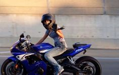 Yamaha Parking Only Lady Biker, Biker Girl, Girl Motorcyclist, Sport Bikes, Cars And Motorcycles, Yamaha, Guys, Vehicles, Motorcycle Girls