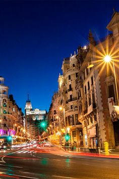 Madrid has the largest number of bars per square mile of any European city, producing a fantastic nightlife #Spain