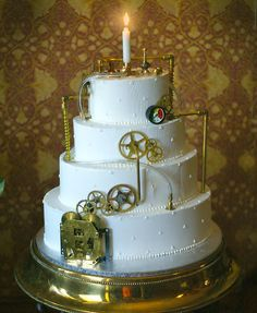 steampunk cake with candle Steampunk Wedding Cake, Birthday Candles, Birthday Cake, Cakes Plus, Cake Board, Brunch, Fancy Cakes, Love Cake, Pretty Cakes
