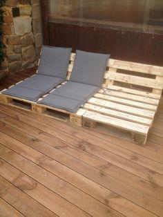 Een houten dek en het FIRST palletproject Pallet Crafts, Pallet Projects, Home Projects, Diy Pallet, Pallet Ideas, Diy Crafts, Pallet Furniture, Garden Furniture, Palette Diy