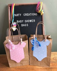 21 Baby Shower Favors That Your Guests Will Love: DIY BABY SHOWER GIFT BAGS; Its a boy, its a girl babyshower babyshowerideas babyshowergames babyshowerinvitations dyibabyshower babyshowerbrunch babyshowerfood 572731277609722529 Regalo Baby Shower, Deco Baby Shower, Baby Shower Brunch, Baby Shower Balloons, Baby Shower Themes, Baby Boy Shower, Baby Shower Decorations, Shower Ideas, Baby Showers