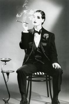 Dita Von Teese wearing a mannish suit style. Her cigarette, which relates back to lecture was symbol of a lesbian and her closh hair cut Dandy Look, Pin Up, Drag King, Man About Town, Androgynous Fashion, Fashion Goth, Steampunk Fashion, Gothic Steampunk, Steampunk Clothing
