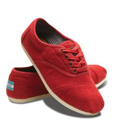 TOMS Women  -  Red Wool Cordones - love love love them!!!!! I am totally freaking!!!!