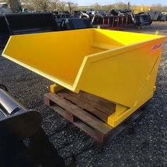 Root Grapples | Agriculture | Albutt Attachments - Approved Hydraulics Ltd Farm Yard, Agriculture, Bucket, Table, Home Decor, Decoration Home, Room Decor, Tables, Home Interior Design