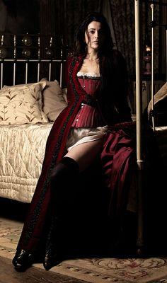 Anne Charier dans Maison Close