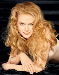 Nicole Kidman- strawberry blonde hair