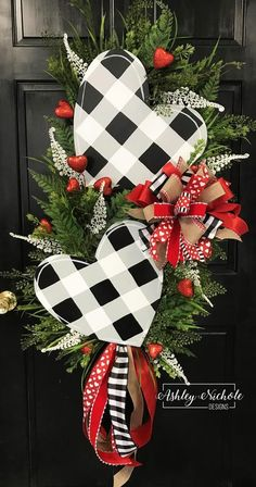 Double Black Buffalo Check Heart Swag Wreath – AshleyNichole Designs This valentine wreath make a large statement! It is made of various grasses with sparkling picks and 2 hand painted wooden hearts attached. Valentine Day Wreaths, Valentines Day Decorations, Valentine Day Crafts, Holiday Crafts, Christmas Wreaths, Christmas Decorations, Holiday Decor, Valentine Ideas, Valentine Tree