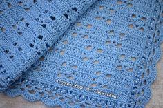 Copertina a uncinetto con trafori e ventaglietti: i tutorial di Camilla Baby Afghan Crochet, Crochet Blanket Patterns, Baby Knitting Patterns, Crochet Shawl, Crochet Stitches, Free Crochet, Sunburst Granny Square, Knit Rug, Camilla