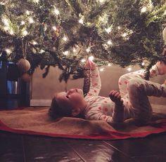 Toddler Christmas Photos, Family Christmas Pictures, Babys 1st Christmas, Newborn Christmas, Holiday Pictures, Kids Christmas, Newborn Pictures, Baby Pictures, Xmas Photos