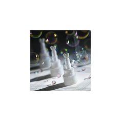 Le bolle di sapone rappresentano un intrattenimento semplice ma d'effetto adatte  anche a valorizzare molti momenti di questa importante giornata: questi splendidi  contenitori realizzati con la forma di una tipica ed elegante Wedding Cake, porteranno  all'interno del vostro matrimonio momenti di allegria e divertimento perfetti per  grandi e piccini.   Misure : h. 7,5 cm x 3 cm di diametro alla base  Le bolle di sapone sono vedute in confezioni da 24 pz.