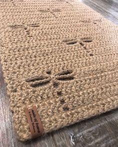 Crochet Doily Rug, Crochet Carpet, Crochet Motifs, Crochet Stitches, Knit Crochet, Crochet Patterns, Easy Stitch, Crochet Projects, Yarn Projects