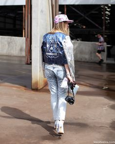 cool ass jacket yo. Sydney. #LeeOliveira