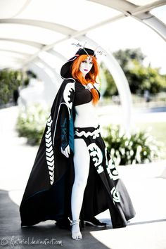 Midna (in her true form) from The Legend of Zelda: Twilight Princess. Would soooo cosplay Midna. Midna Cosplay, Cosplay Anime, Epic Cosplay, Amazing Cosplay, Cosplay Outfits, Cosplay Girls, Batman Christian Bale, Zelda Twilight Princess, Batman Begins