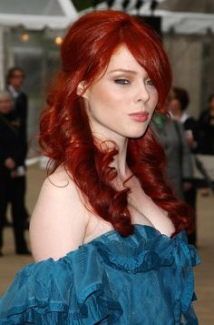 I want this colour on my head - you can never have too much red :D