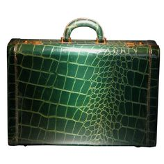 """Emerald Green Crocodile Embossed Leather Luggage Suitcase at , just like Tante Wilma""""s! Vintage Suitcases, Vintage Luggage, Vintage Purses, Vintage Bags, Leather Suitcase, Leather Luggage, Luggage Suitcase, Madame Gres, Madeleine Vionnet"""