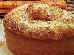 Receita de Bolo de Maracuja Molhadinho - bolo Pré-aqueça o forno uns 10 minutos. Bata as claras em neve e reserve. Bata em outro recipiente as gemas, o açúcar, o leite de coco, o suco...