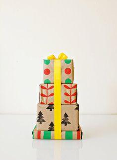 DIY Stamped Kraft Paper Gift Wrap