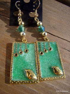 Pearl Green Bird in a Frame Spring Dangle Earrings by KLKEndeavors on Etsy Green Earrings, Dangle Earrings, Pendant Necklace, Pretty Green, Dangles, My Etsy Shop, Bird, Pearls, Spring