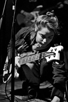 nette bilder von bass mädels | Seite 251 | Musiker-Board