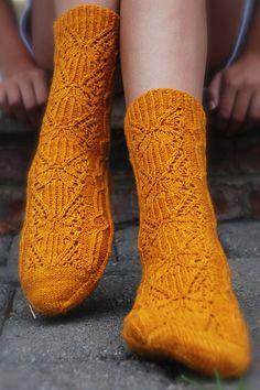 Ravelry: Golden Dahlia pattern by Kirsten Kapur Knitting Socks, Knit Socks, Stitch Patterns, Knitting Patterns, Knit Stockings, Needles Sizes, Yarn Crafts, Dahlia, Mittens