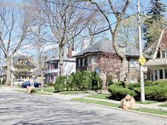 Trust your Real Estate to the top Toronto agent - Elli Davis. Houses and Condos bought and sold at the best prices in shortest time frames. Deer Park, Real Estate News, Photo Essay, Toronto, The Neighbourhood, Condo, Mansions, House Styles, The Neighborhood