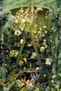 picture of the day 1100 030915 yard ideas in 2019 витрины в окнах, Spring Window Display, Store Window Displays, Retail Displays, Merchandising Displays, Bath And Beyond Coupon, Farming, Layout, Vintage, Creative