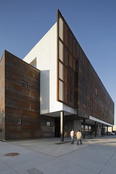 Image 6 of 14 from gallery of Hardesty Arts Center / Selser Schaefer Architects. Photograph by Ralph Cole Photography