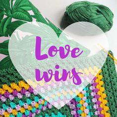 10% Rabatt auf ALLE ARTIKEL UND ANLEITUNGEN bis Ende Oktober mit dem Code LOVEWINS! 💕💛💕 // 10% off in ALL ITEMS AND TUTORIALS till the end of the month using the Code LOVEWINS! 💕💛💕