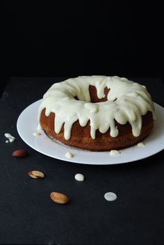 The recipe for this amazing carrot cake comes from the Sunshine State, more precisely from our Granny Doris in Florida whois also responsible for the best Peanut Butter Cookies. It'sunbelie…