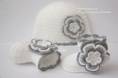 Crochet baby set, booties and hat, shoes, boots, beanie, white, silver, grey, gray, photo prop, 0-3 months, baby shower gift, Christmas