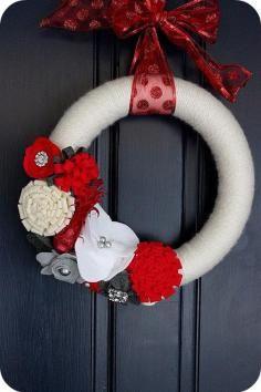 DIY Tutorial: Felt Crafts / How to Make a Ruffly Felt Rosette Wreath - Bead&Cord