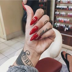 ♥ ☆   ☆ ♥ ♚ Pinterest; @Anaislovee ♔ cLAssY Red
