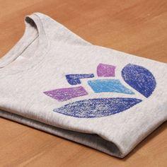 T Shirt Painting, Fabric Painting, Fabric Paint Shirt, Diy Tie Dye Shirts, Diy Shirt, Diy Tie Dye Techniques, Tie Dye Crafts, Bleach Tie Dye, Diy Crafts Hacks