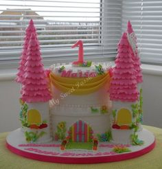 Castle Cake for 1st Birthday - by Beasia @ CakesDecor.com - cake decorating website