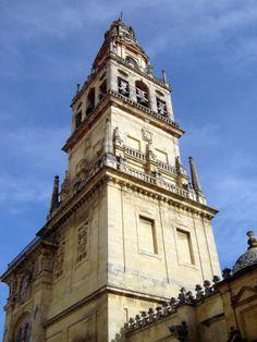 Córdoba Torre del Alminar  © Robert Bovington https://bovingtoninspain.wordpress.com/2015/12/13/mezquita-catedral-de-cordoba/