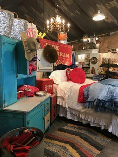 On the Junkin' Trail to Junk Gypsy Co in Round Top, Tx Boho Glam Home, Hippie Home Decor, Gothic Home Decor, Gothic Bedroom, Bedroom Black, Black Bedrooms, Master Bedrooms, Junk Gypsies Decor, Decor Interior Design