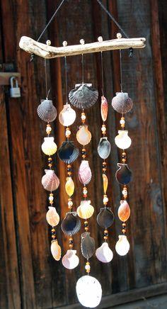 Seashell Wind Chimes, Diy Wind Chimes, Seashell Art, Homemade Wind Chimes, Seashell Projects, Driftwood Crafts, Driftwood Mobile, Seashell Mobile, Seashell Crafts Kids