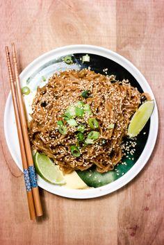 Stekte risnudler med sticky saus - ferdig på ti minutter!